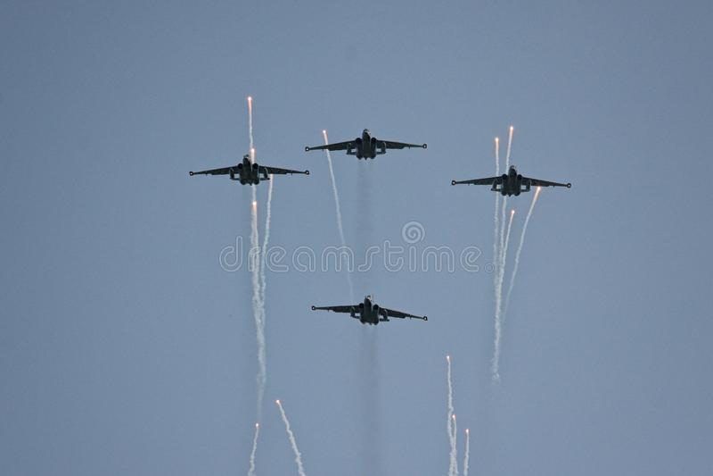 Gli ærei militari russi il MIG 29 decollano immagini stock