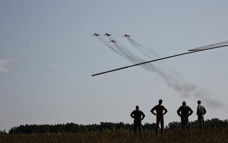 Gli ærei militari russi il MIG 29 decollano fotografia stock