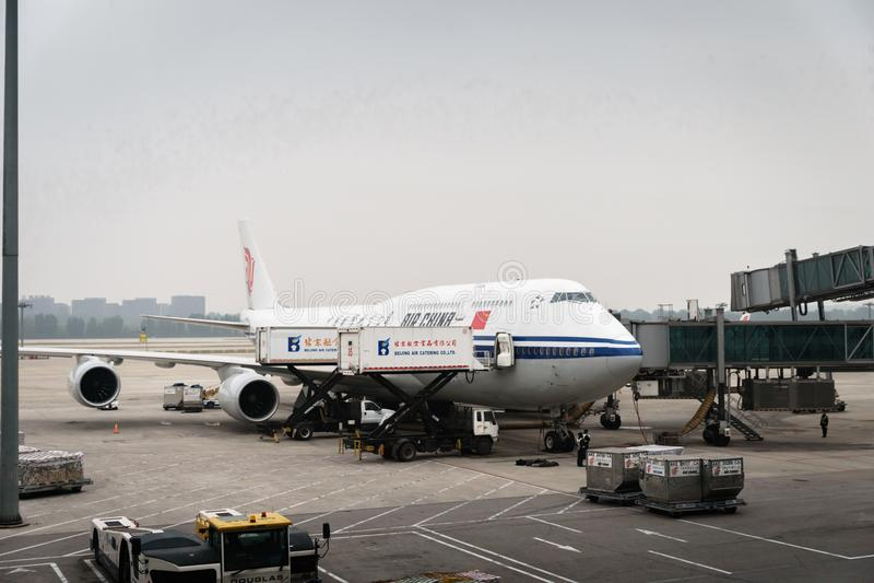 Gli aerei di Air China Airbus hanno atterrato all'aeroporto di Pechino in Cina immagine stock libera da diritti
