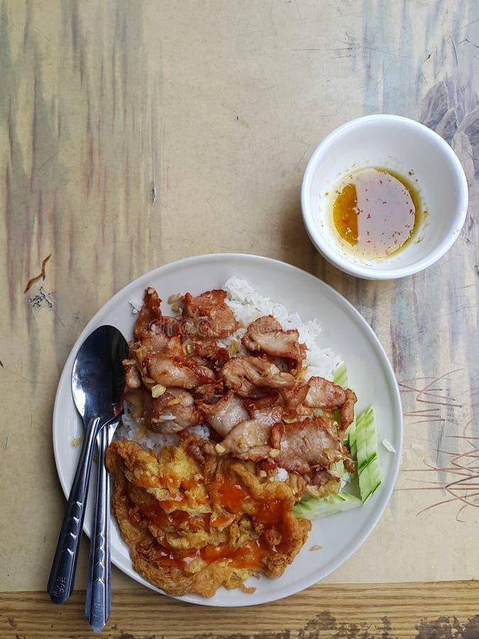 Gli alimenti tailandesi popolari della via immagine stock
