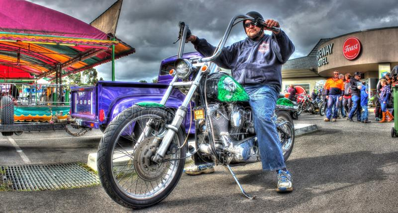 Gli anni 80 dipinti abitudine Harley Davidson Softail immagine stock
