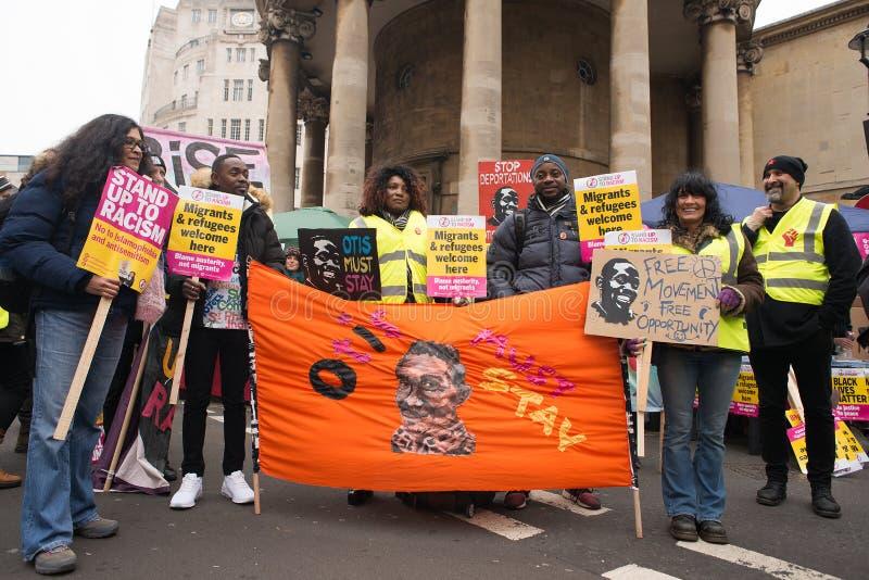 Gli anti dimostranti di governo alla Gran-Bretagna ora è rotto elezione generale/dimostrazione a Londra fotografie stock