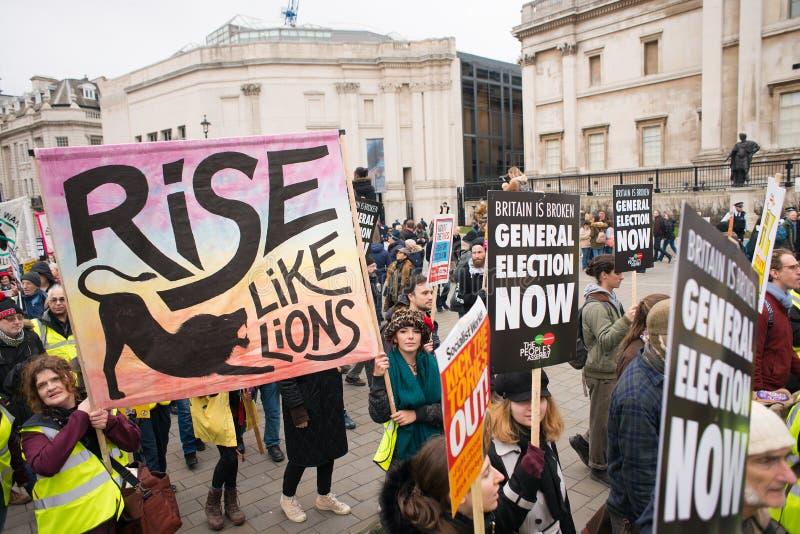 Gli anti dimostranti di governo alla Gran-Bretagna ora è rotto elezione generale/dimostrazione a Londra fotografie stock libere da diritti