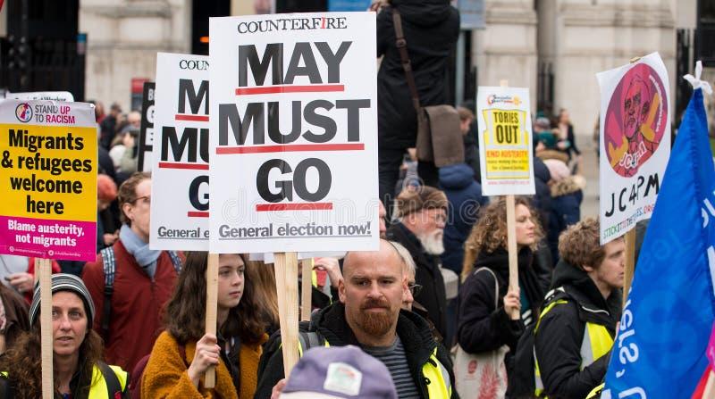 Gli anti dimostranti di governo alla Gran-Bretagna ora è rotto elezione generale/dimostrazione a Londra immagini stock
