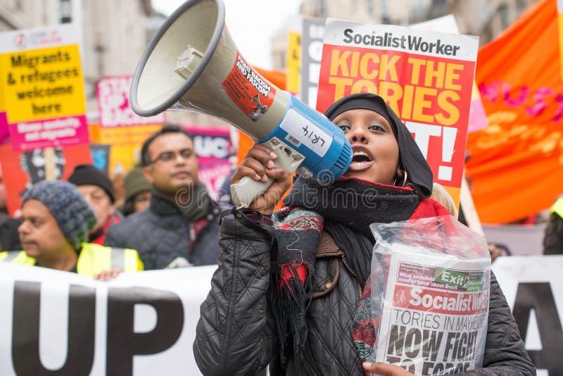 Gli anti dimostranti di governo alla Gran-Bretagna ora è rotto elezione generale/dimostrazione a Londra fotografia stock