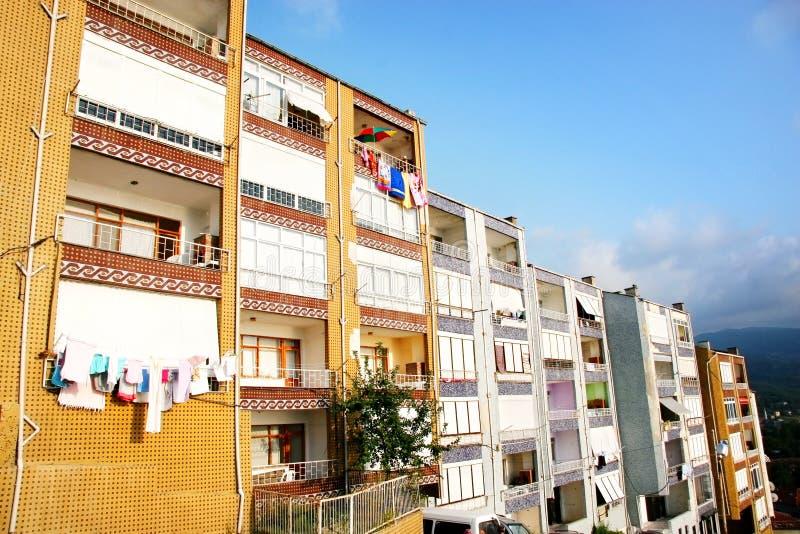 Gli appartamenti ha vista del mare immagine stock libera da diritti
