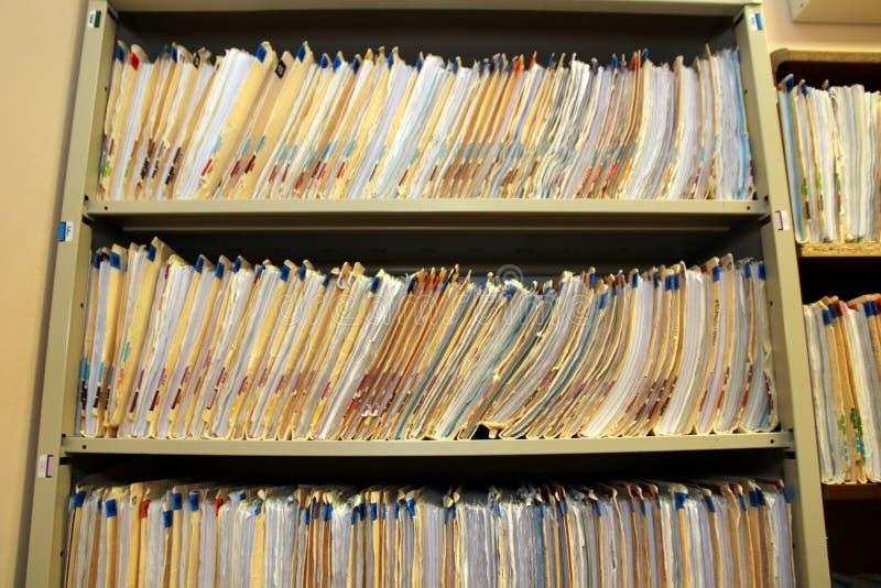 Gli archivi sono stati messi via nel gabinetto immagine stock libera da diritti