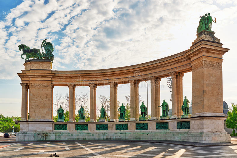 Gli eroi Quadrato-è uno dei quadrati principali a Budapest, Ungheria, fotografia stock
