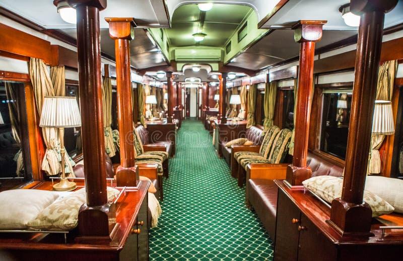 Gli interni del treno di vagone reale nello Zambia fotografia stock libera da diritti