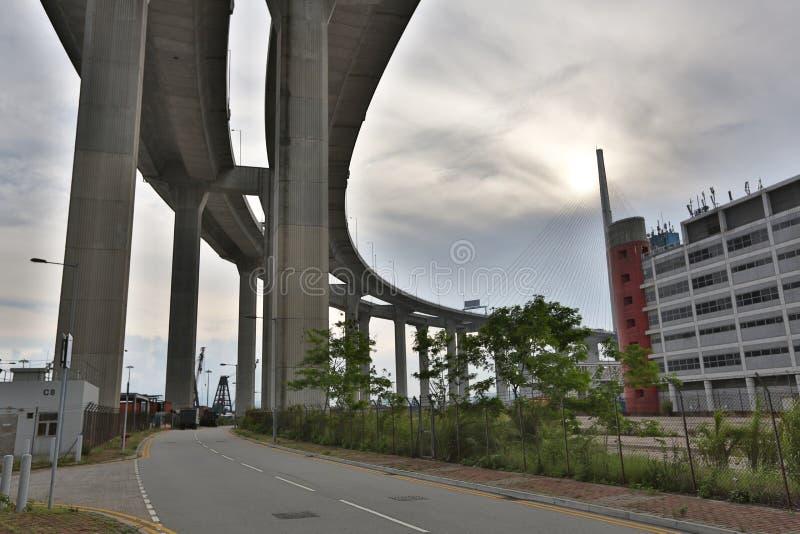 Download Gli Scalpellini Gettano Un Ponte Su E La Strada Principale Di Sha Di Tsing Immagine Stock - Immagine di panoramico, limite: 55355783