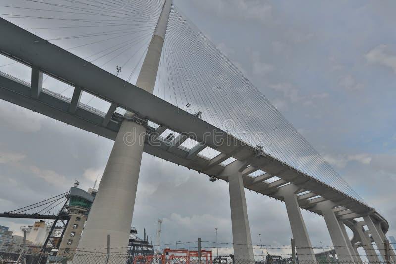 Download Gli Scalpellini Gettano Un Ponte Su E La Strada Principale Di Sha Di Tsing Fotografia Stock - Immagine di panoramico, dusk: 55356082