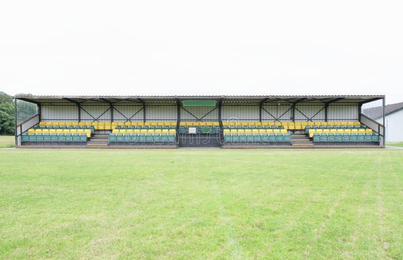 Gli sport del padiglione lanciano gli spettatori vuoti del campo di calcio di calcio di rugby del cricket delle sedi vacanti fotografie stock