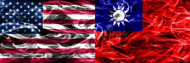 Gli Stati Uniti contro Taiwan fumano il concetto delle bandiere disposto parallelamente royalty illustrazione gratis