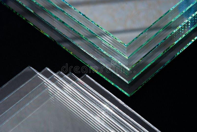 Gli strati pannelli temperati fabbricazione del vetro 'float' della fabbrica di chiari hanno tagliato per graduare immagini stock