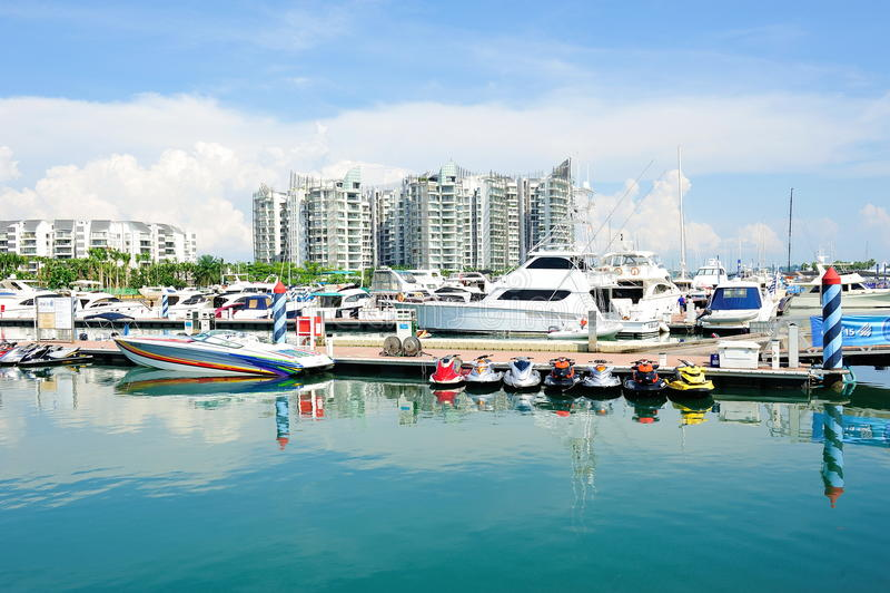 Gli yacht di lusso su visualizzazione all'yacht di Singapore mostrano immagine stock