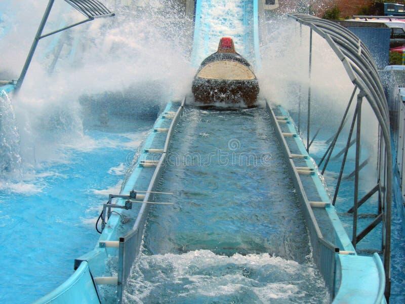 Download Glid vatten arkivfoto. Bild av spänning, bana, ritt, nöjesplats - 225468