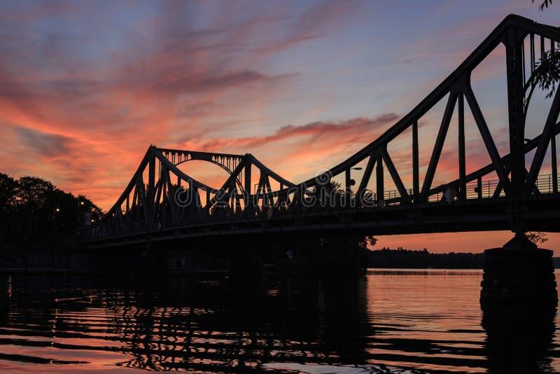 Glienicker most przy zmierzchem obraz stock