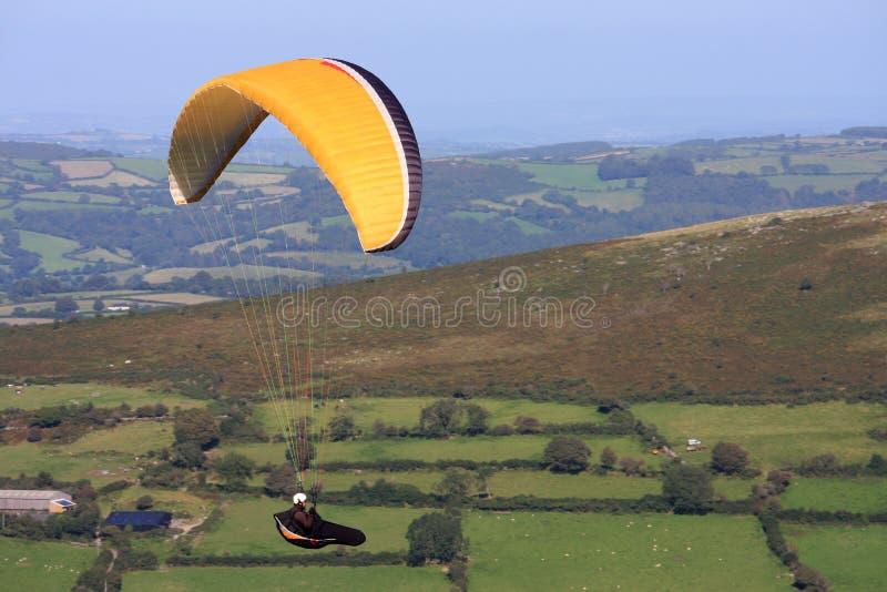 Download Glijscherm over Dartmoor stock foto. Afbeelding bestaande uit heuvel - 39110326