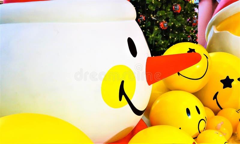 Glimlach gele ballon stock fotografie