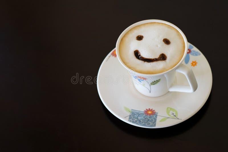 Glimlachcappuccino stock fotografie