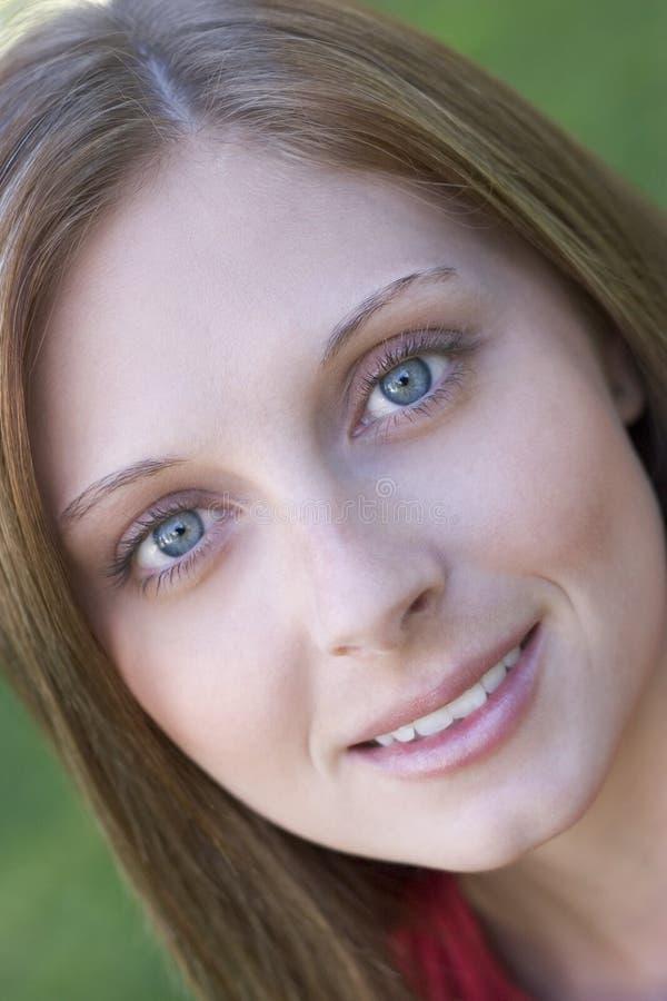 Download Glimlachend Meisje stock foto. Afbeelding bestaande uit volwassen - 287578