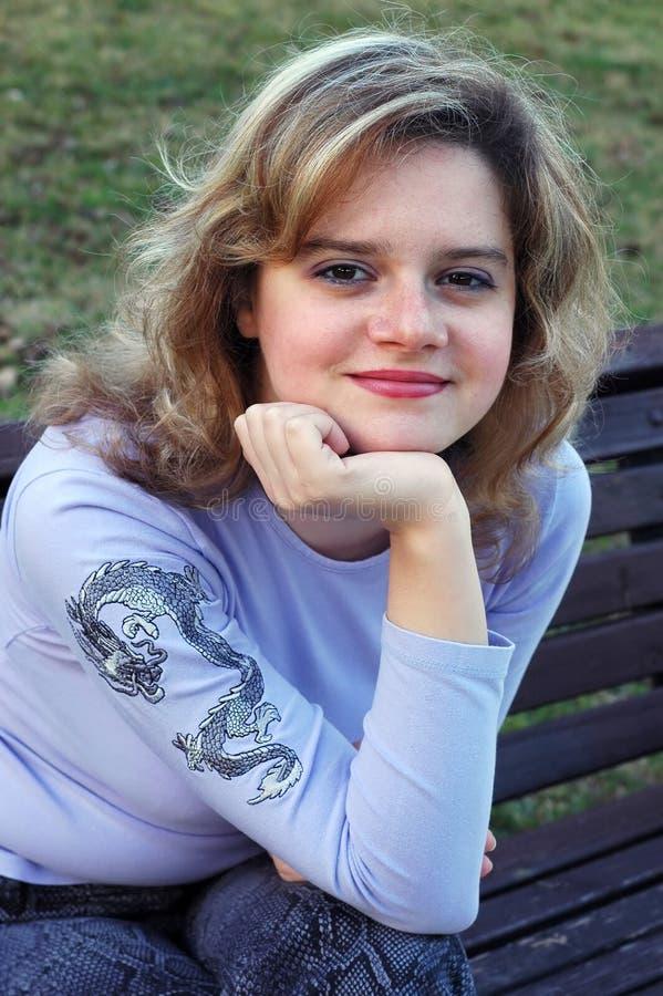 Glimlachend meisje royalty-vrije stock fotografie