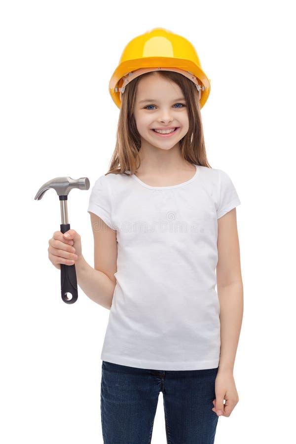 Glimlachend meisje in beschermende helm stock foto's