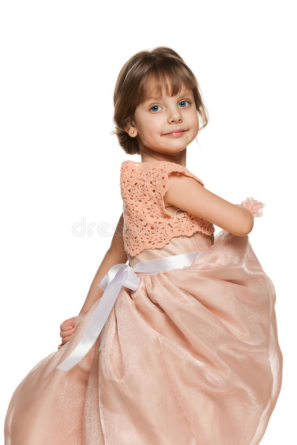 Download Glimlachend Meisje In Een Baltoga Stock Foto - Afbeelding bestaande uit vrij, alleen: 29501604