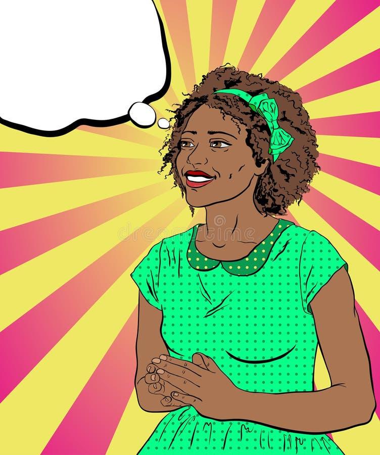 Glimlachende Afrikaanse vrouw in een groene kleding op een achtergrond in st stock afbeelding