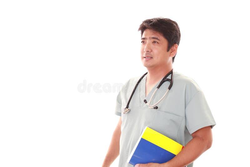 Glimlachende Aziatische medische arts royalty-vrije stock foto