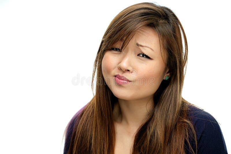 Glimlachende Aziatische Vrouw in Blauw Overhemd royalty-vrije stock afbeeldingen