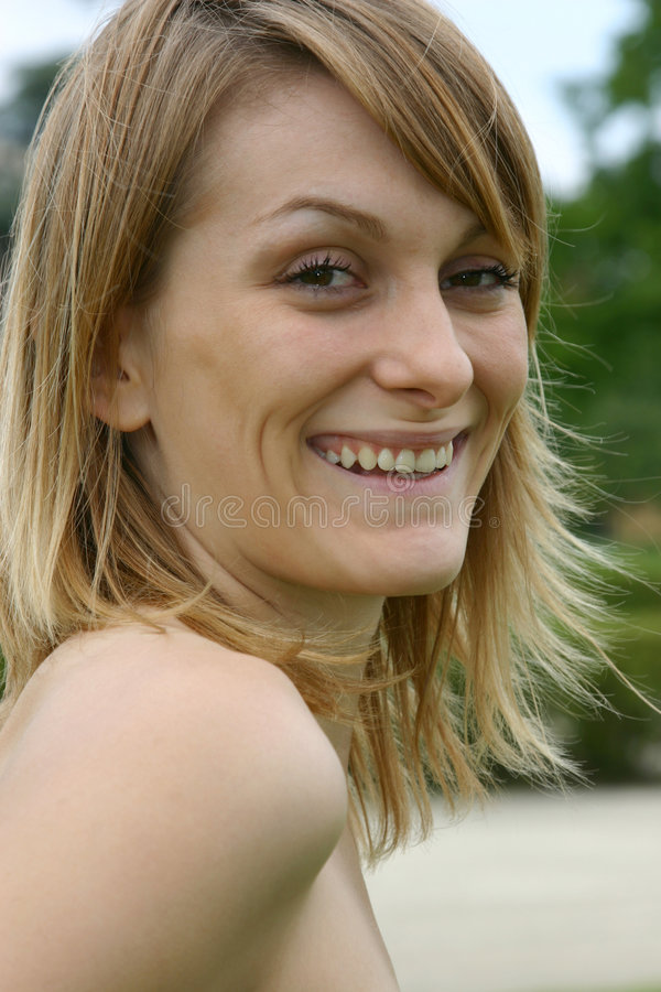 Glimlachende blonde vrouwen royalty-vrije stock afbeeldingen