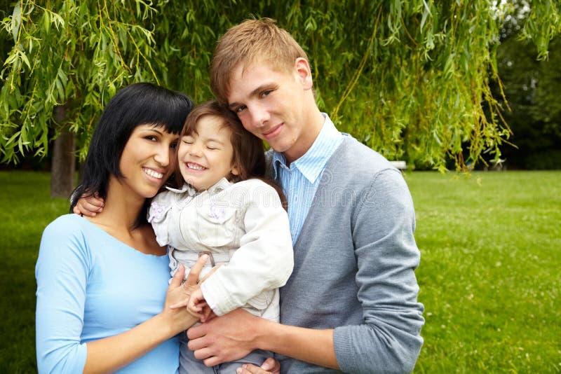 Glimlachende familie royalty-vrije stock fotografie