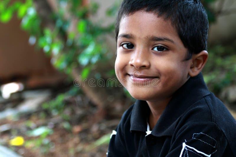 Glimlachende Indische Jongen royalty-vrije stock fotografie