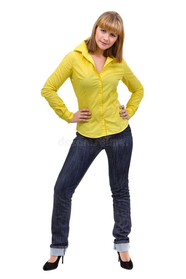 Glimlachende jonge die vrouw over wit wordt geïsoleerd stock foto
