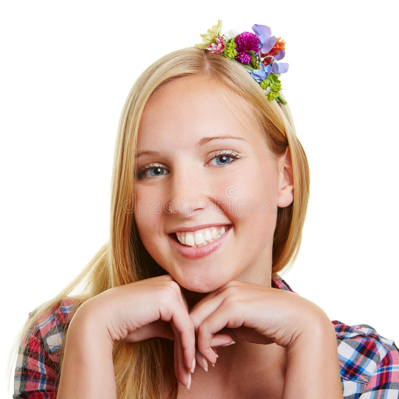 Glimlachende jonge gelukkige blonde vrouw royalty-vrije stock afbeelding
