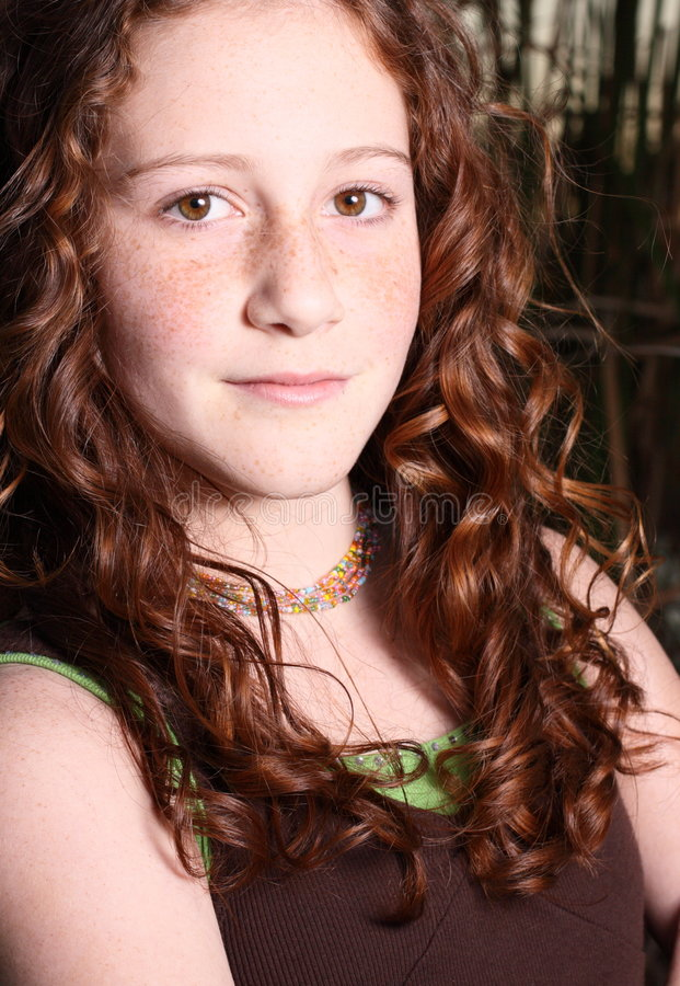Glimlachende jonge tiener royalty-vrije stock afbeeldingen