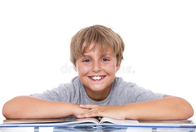 Glimlachende jongen met royalty-vrije stock afbeelding