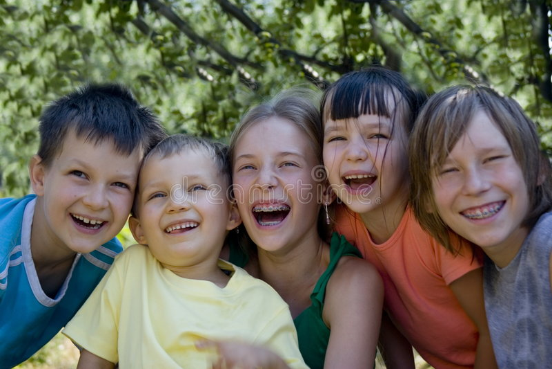 Glimlachende kinderen stock afbeeldingen