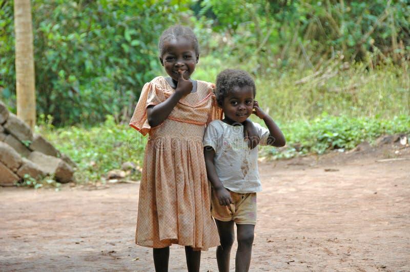 Glimlachende kinderen in Afrika stock foto