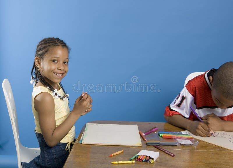 Glimlachende kunstenaar stock foto's