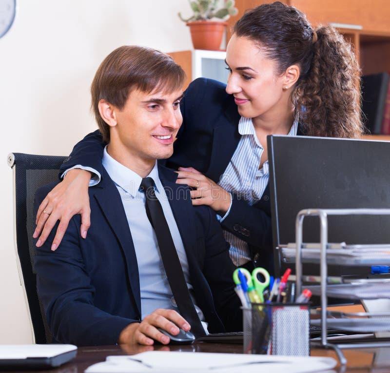 Flirten op het werk