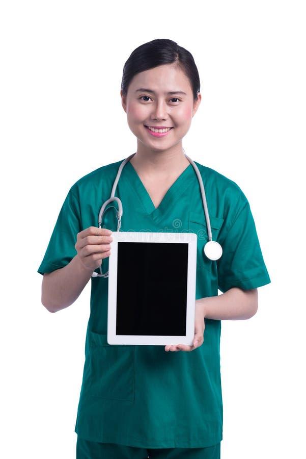 Glimlachende medische artsenvrouw met stethoscoop Geïsoleerd over witte achtergrond royalty-vrije stock foto's