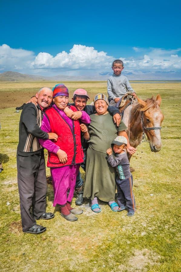 Glimlachende mensen in Kyrgyzstan royalty-vrije stock afbeelding