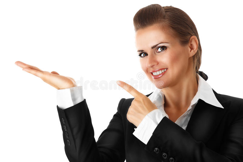 Glimlachende moderne bedrijfsvrouw die vinger op e richt royalty-vrije stock fotografie