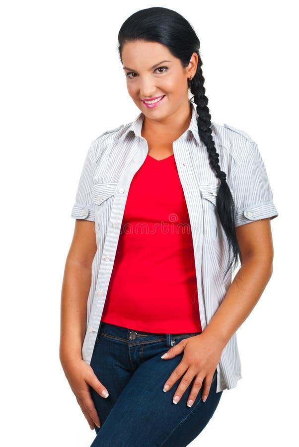 Glimlachende natuurlijke modelvrouw royalty-vrije stock afbeelding