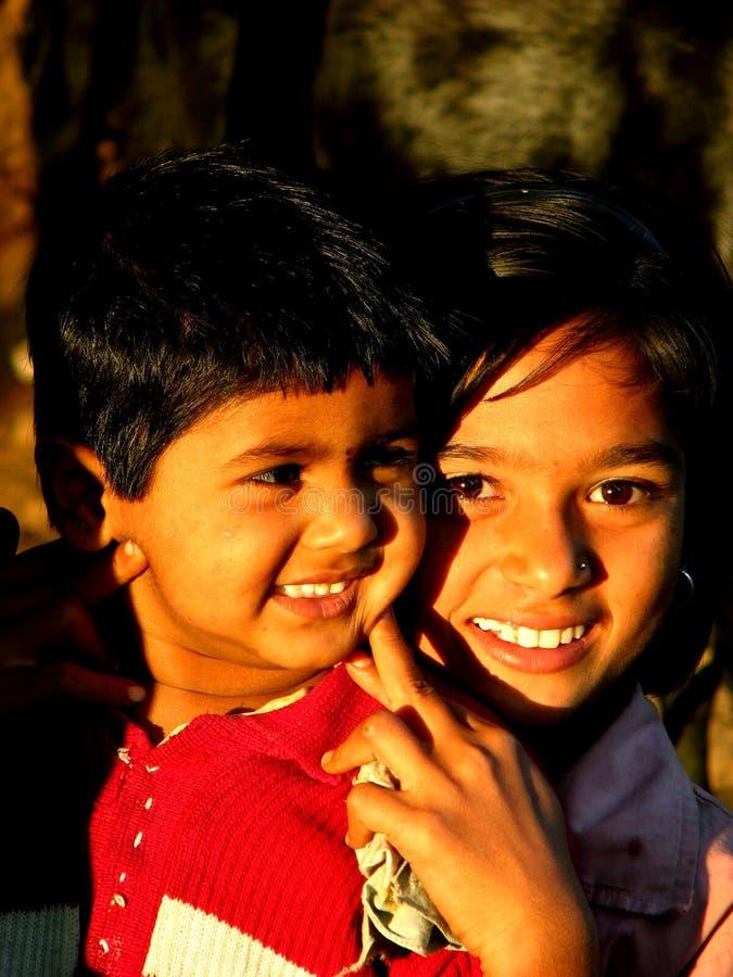 Glimlachende Neven stock afbeeldingen