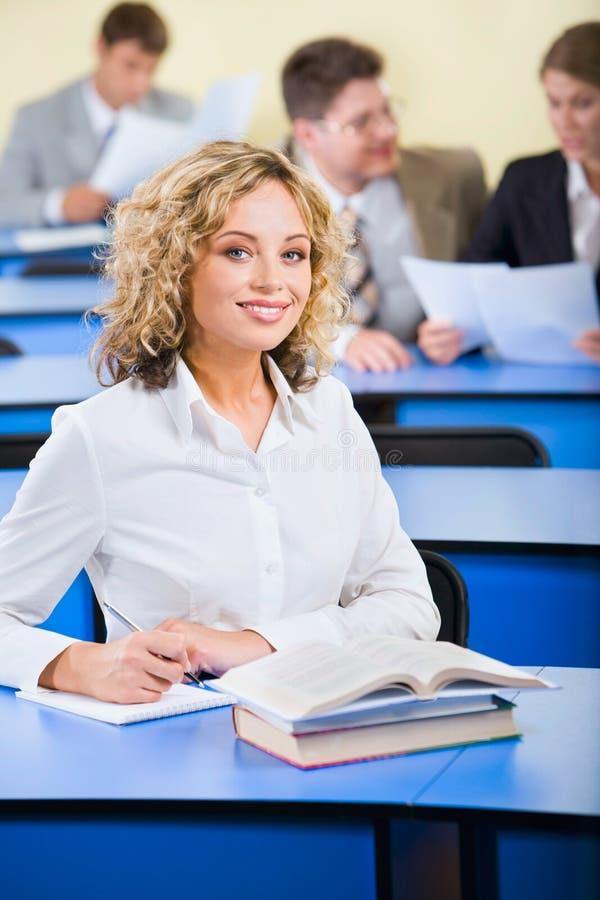 Glimlachende student royalty-vrije stock fotografie
