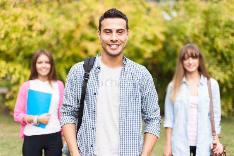 Glimlachende Studenten royalty-vrije stock afbeelding