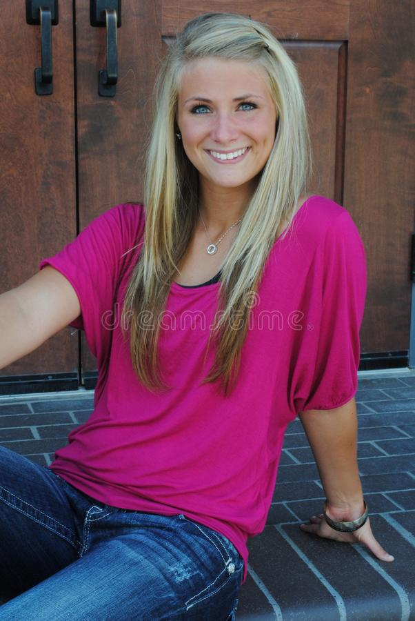 Glimlachende tiener royalty-vrije stock afbeelding